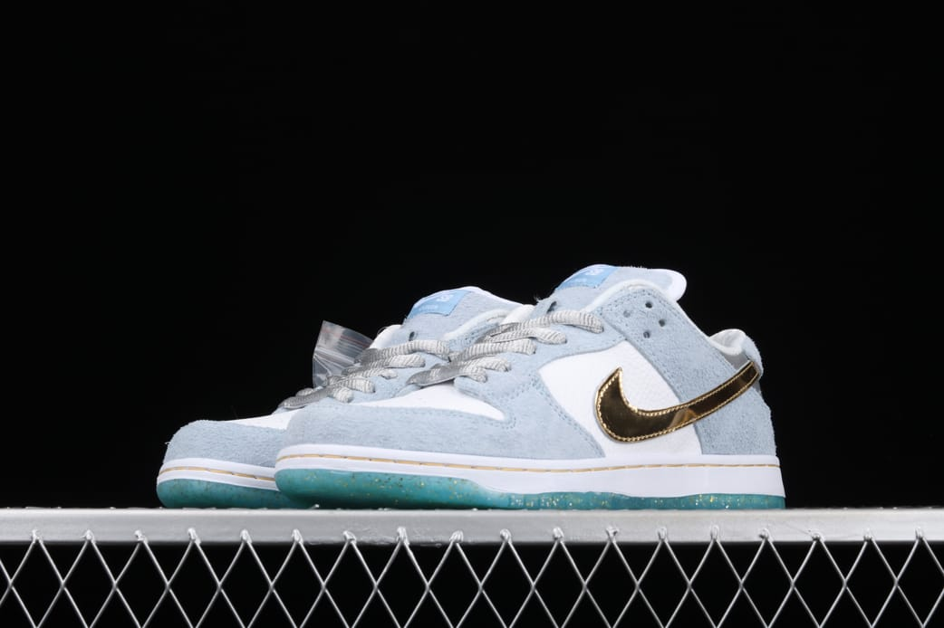 Sean Cliver x Nike Dunk Low SB Holiday Special 4