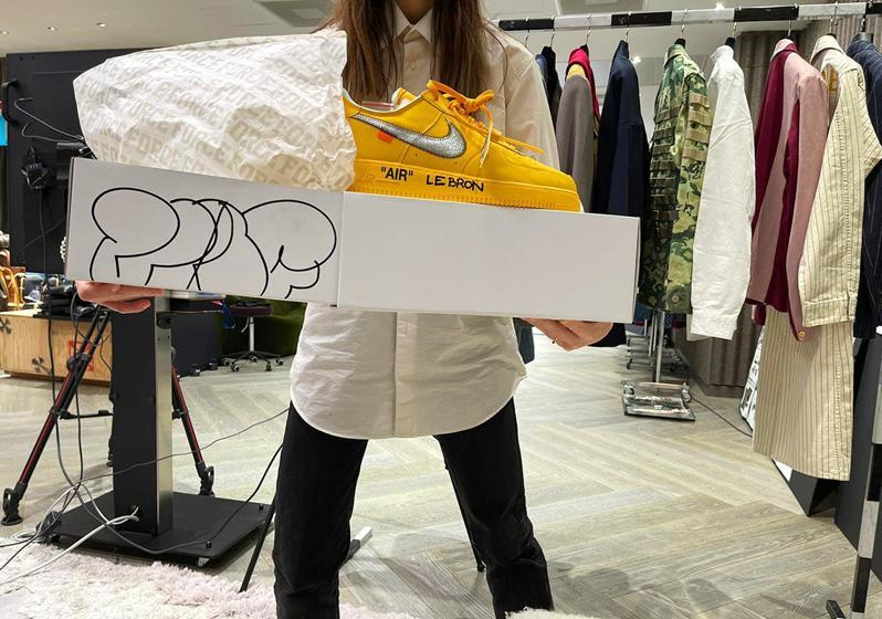 Virdzhil Ablo podpisal novye Off White x Nike Air Force 1 Low 2