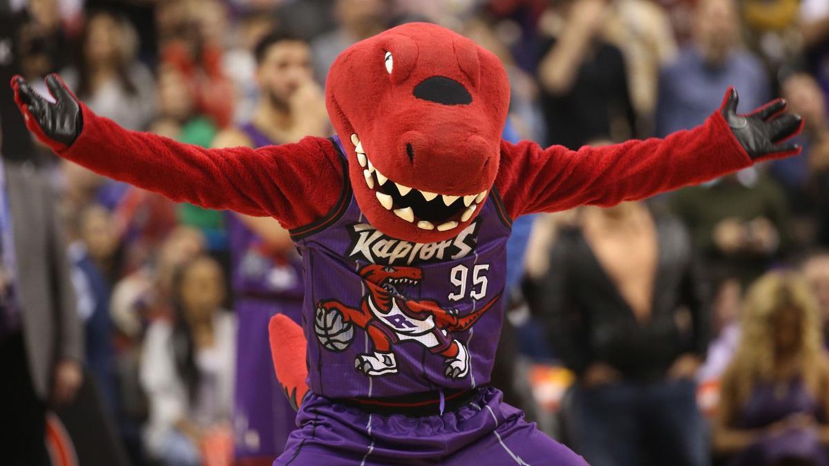 Zabavnye talismany komand NBA Toronto Raptors i The Raptor
