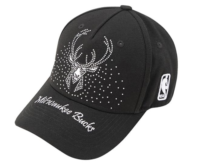 2020 NBA Milwakee Bucks Black Cap 1