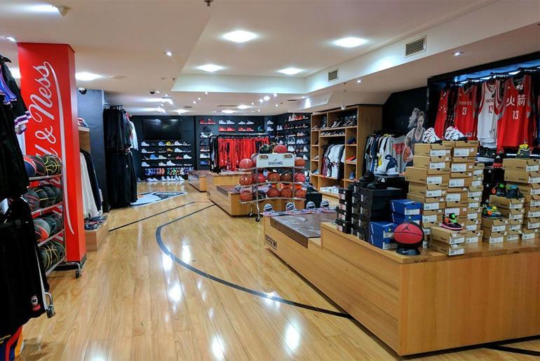Magaziny krossovok v Melburne kotorye Vam stoit posetit Kickz101 259 Collins Street