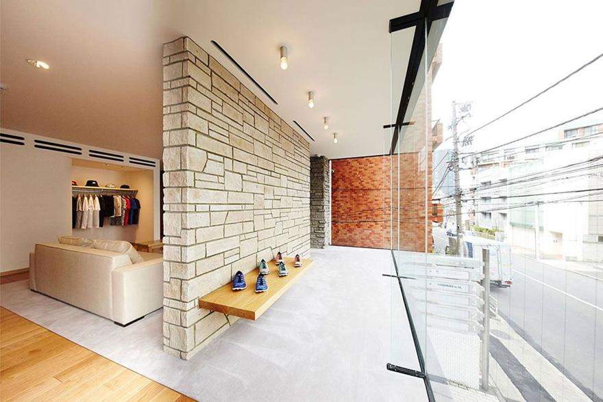 Magaziny krossovok v Tokio kotorye stoit posetit AS Architecture and Sneakers Harajuku