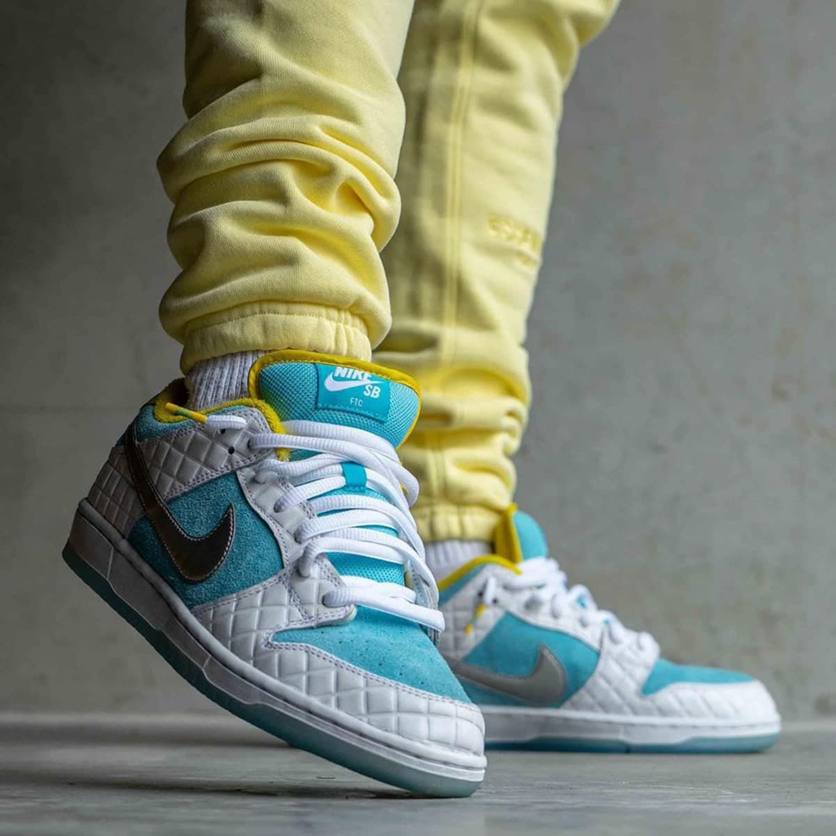 Pervye foto kollaboratsii FTC x Nike SB Dunk Low