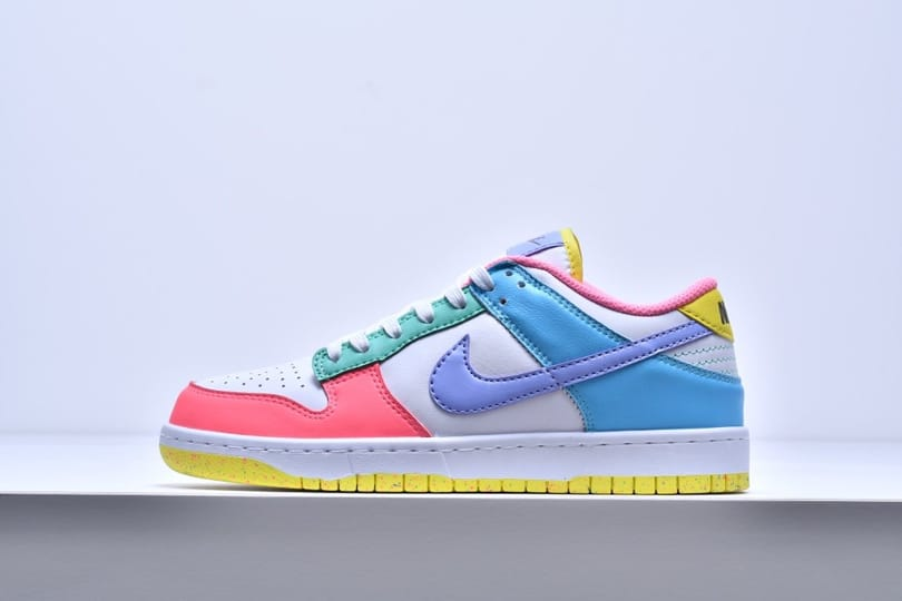 Wmns Nike Dunk Low SE Easter 1