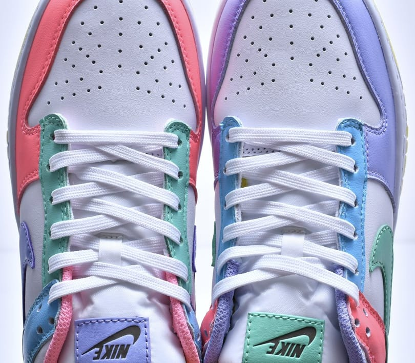 Wmns Nike Dunk Low SE Easter 10
