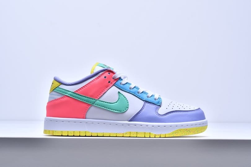 Wmns Nike Dunk Low SE Easter 2