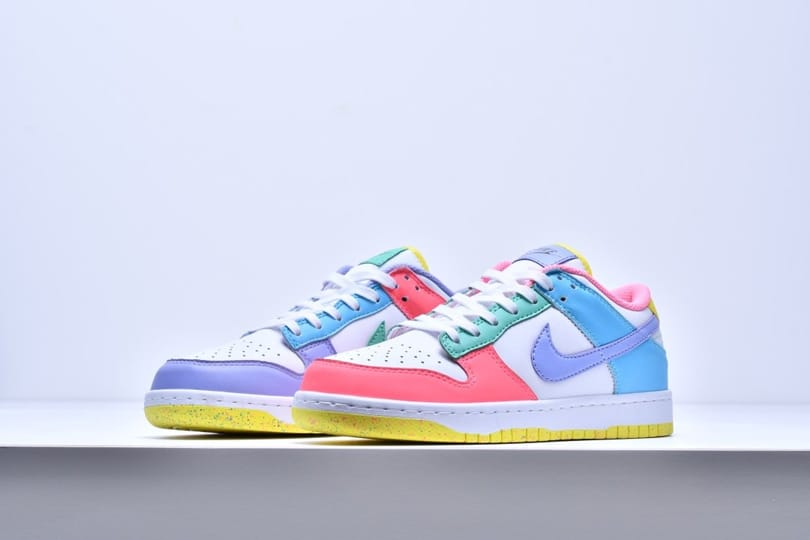 Wmns Nike Dunk Low SE Easter 4