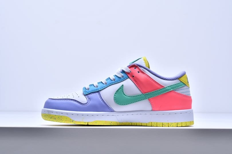 Wmns Nike Dunk Low SE Easter 5