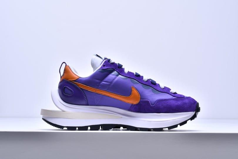 sacai x Nike VaporWaffle Dark Iris 3