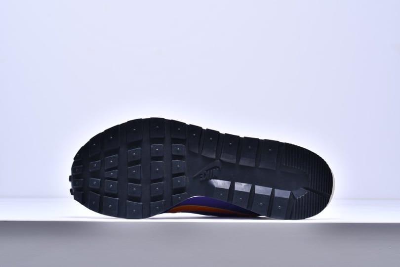 sacai x Nike VaporWaffle Dark Iris 6