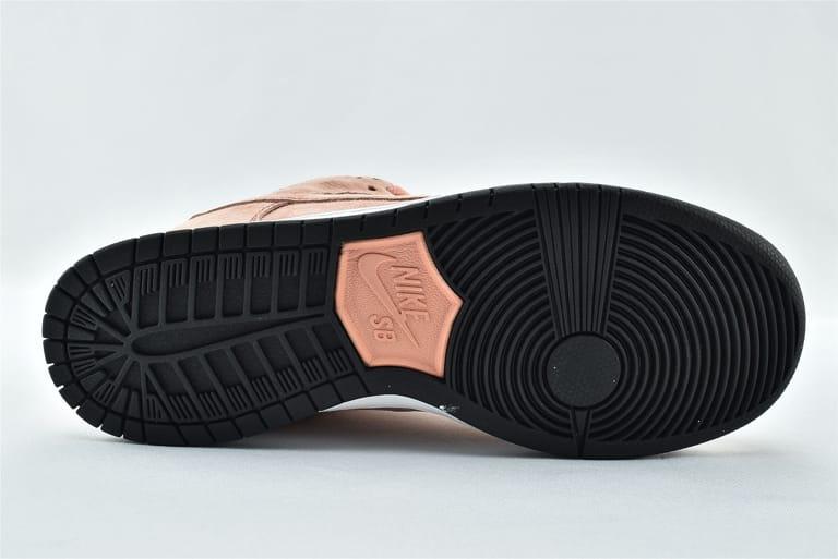 Nike Dunk Low SB Pink Pig 7