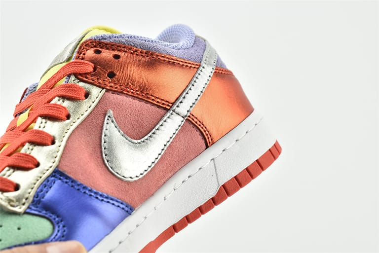 Wmns Nike Dunk Low Sunset Pulse 17
