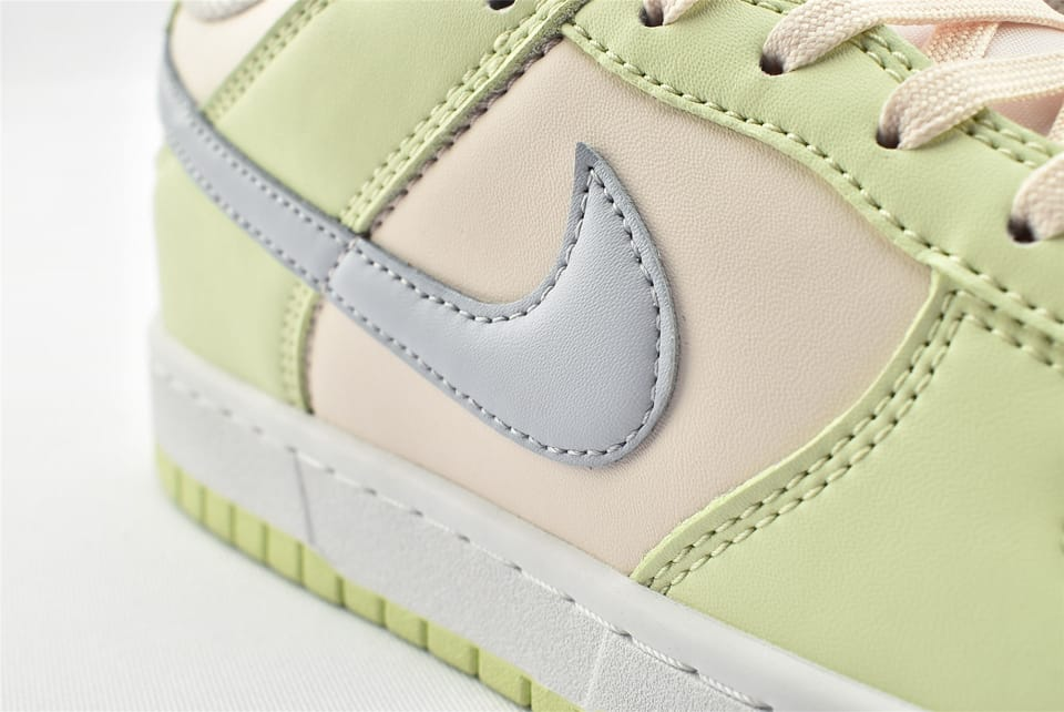 Wmns Nike Dunk Low Lime Ice 13