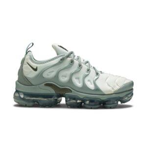 Wmns Nike Air VaporMax Plus Light Grey